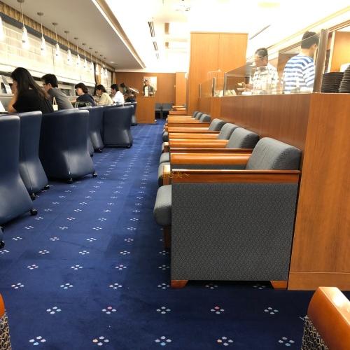 JAL 空港ラウンジ2