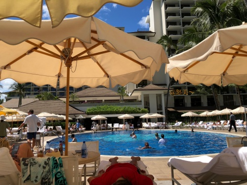 Hawaii ハレクラニホテル プールサイド