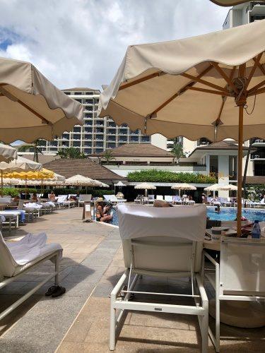 Hawaii ハレクラニホテル プールサイド2