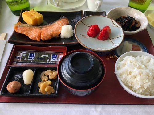 ハワイ ハレクラニホテル朝食