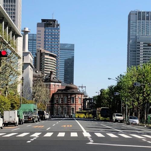 東京フォーラムより東京駅舎を見る
