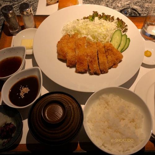 ヒルトン名古屋 味噌カツ2