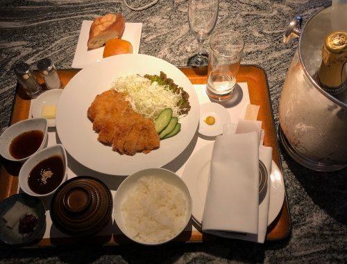 ヒルトン名古屋 味噌カツ1