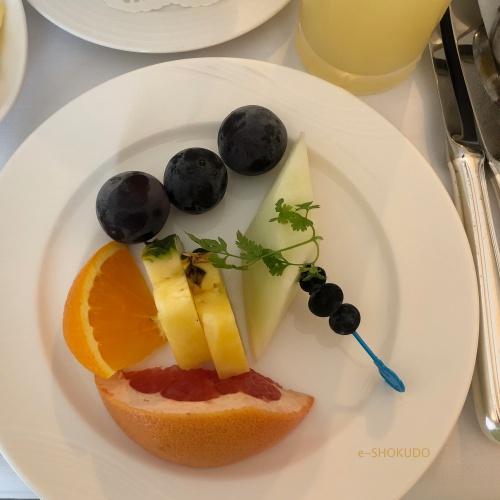 ウエスティン大阪 朝食 フルーツプレート