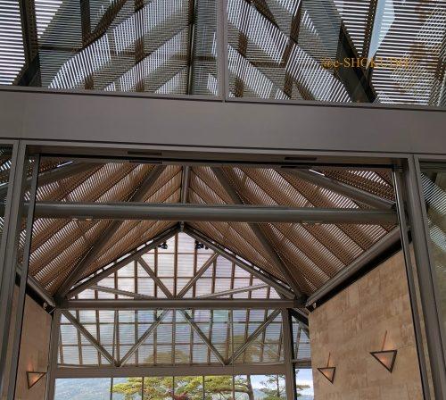 MIHO MUSEUM 本館入り口天井