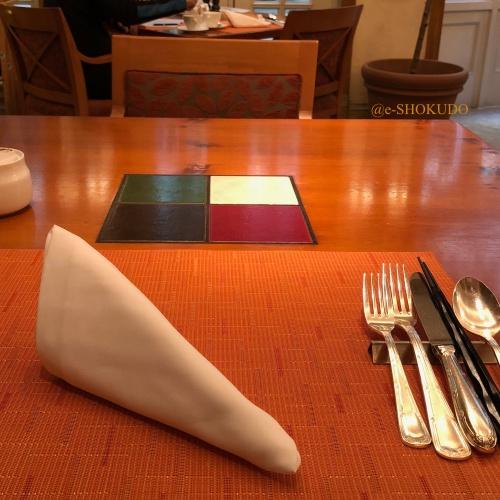 ザ・リッツ・カールトン大阪 イタリアンレストラン スプレンディード テーブルセッティング