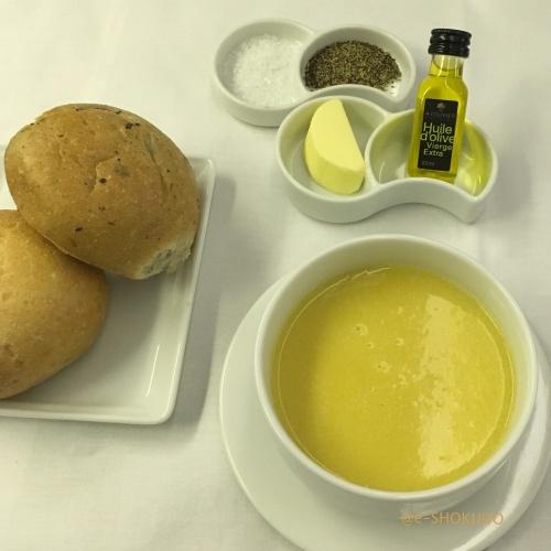 ANA国際線機内食コーンスープ2