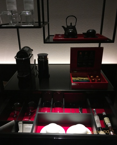 コンラッド大阪エグゼクティブコーナールームコーヒーコーナー