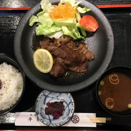 洋食屋牛銀焼肉定食2