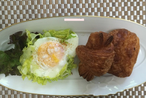 朝ごはんドミニクドゥーセミニクロワッサンとパンオーショコラ